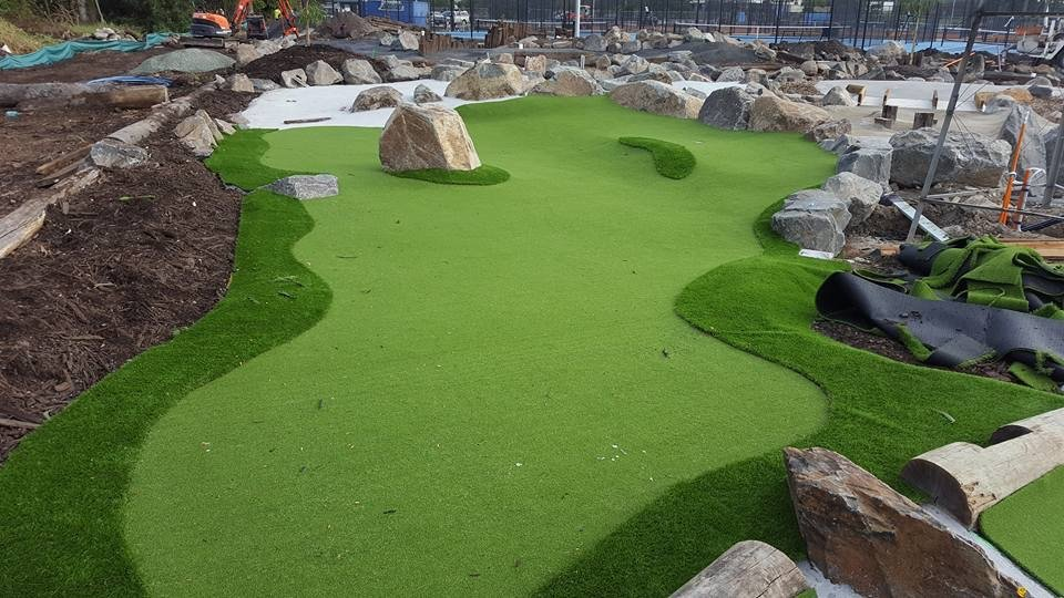 mini-golf-construction-carrara