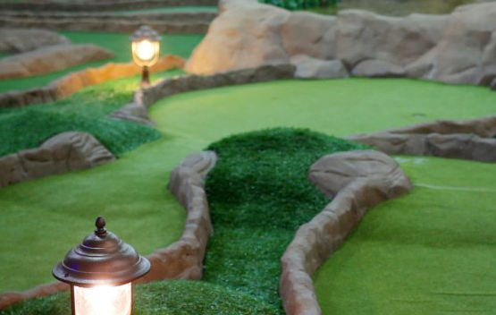 How to Build a mini Golf Course business