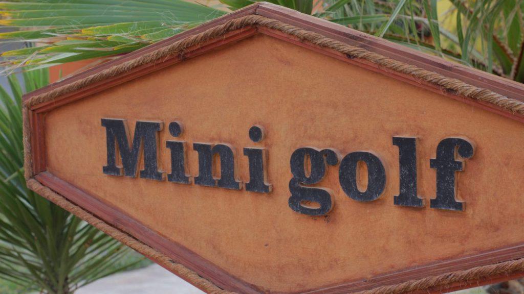 Mini golf business
