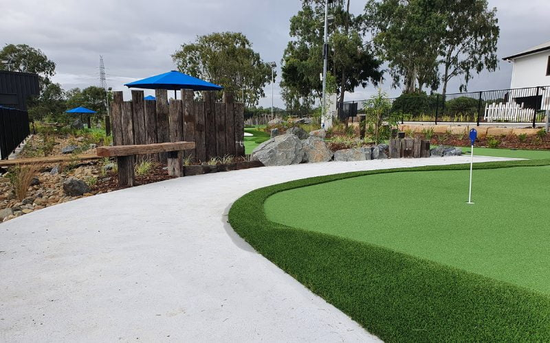 mini golf course business
